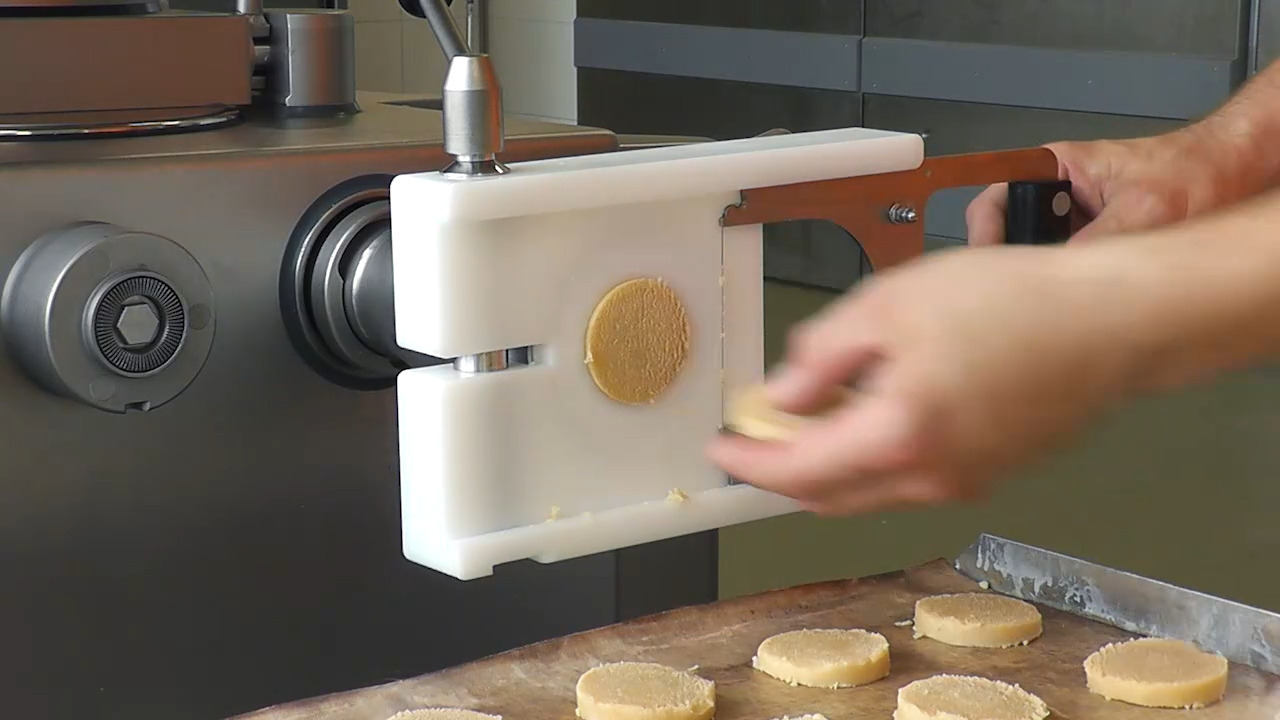 Production of shortbread cookies